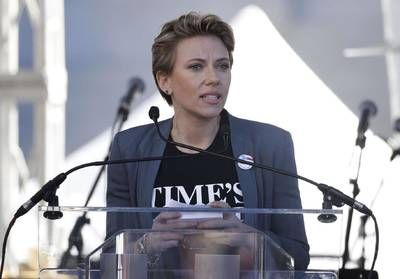 A la Women's March, Scarlett Johansson dénonce James Franco