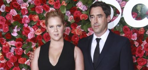 Amy Schumer enceinte:  l'actrice annonce sa grossesse et trolle Meghan Markle