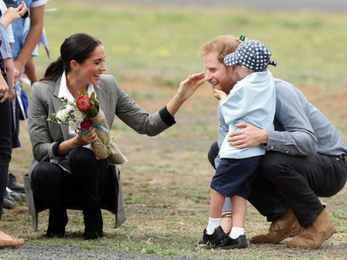 PHOTOS. Meghan Markle et le prince Harry:  les photos les plus mignonnes de leur royal tour