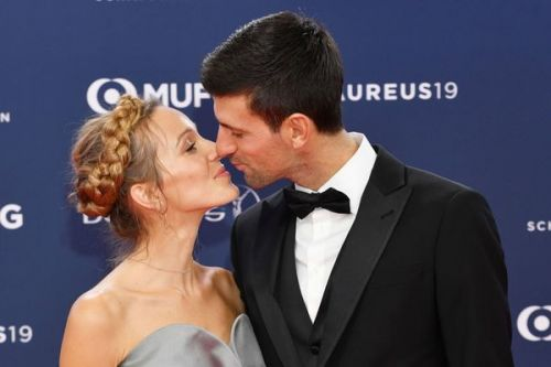 PHOTOS. Doux bisou entre Novak Djokovic et sa sublime femme Jelena aux Laureus Awards à Monaco