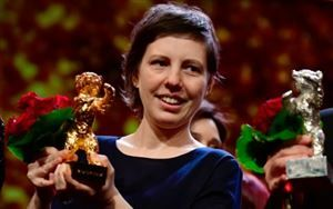 """Berlinale:  Ours d'or pour le film roumain """"Touch me not"""""""