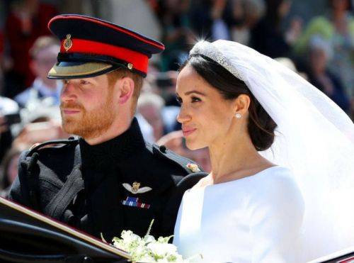 Public Royalty:  Harry et Meghan se font voler leur royal wedding !
