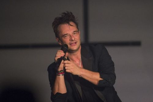 """On a partagé des moments extraordinaires"":  David Hallyday se confie sur son père Johnny"