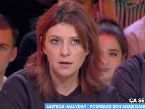 VIDEO. Un gros dérapage dans TPMP ! Une fan de Johnny Hallyday insulte violemment Laeticia en direct
