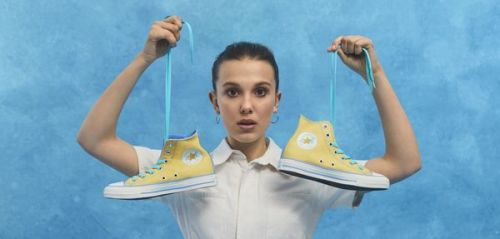 """Millie By You"" : la collaboration très cool de Converse et Millie Bobby Brown"